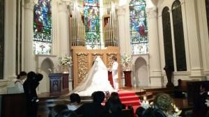 近藤夫妻 結婚式(引き)
