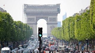 シャンゼリゼ通り|パリのセーヌ河岸320×320